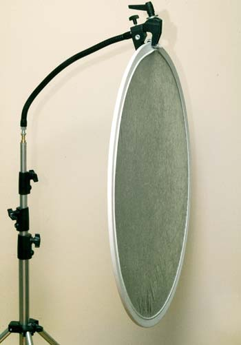 master light stand 004 with arm and superclamp holding a reflector